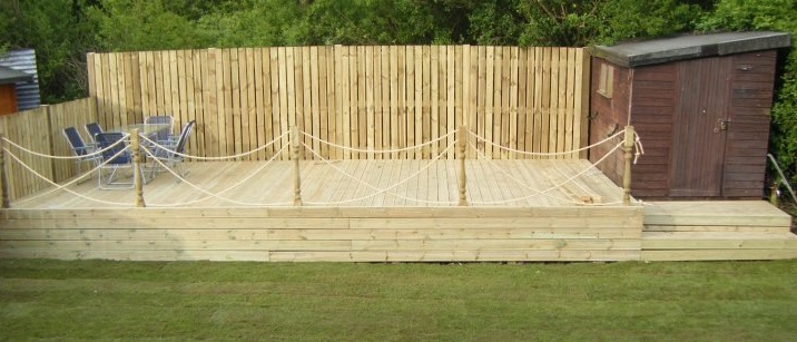 Smart gardens leeds decking company fencing garden for Garden decking quotes uk